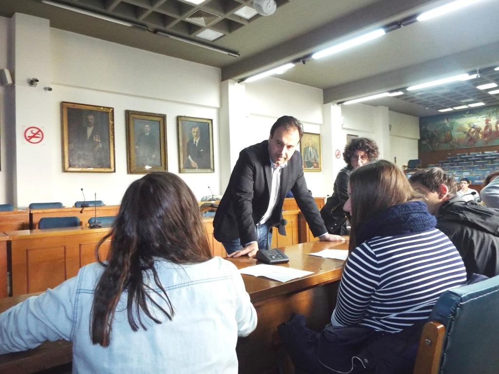 Μαθητές και Δήμαρχος Τρικκαίων σε μάθημα συμμετοχικής δημοκρατίας